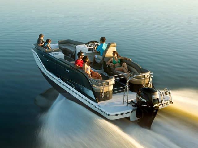 BAYLINER ELEMENT XR7 / O/B 200Hp