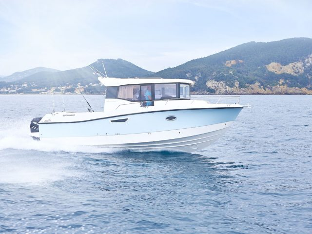 QUICKSILVER 905 Pilothouse NO.3