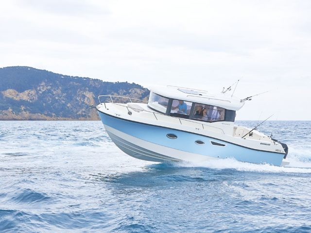 QUICKSILVER 905 Pilothouse NO.4