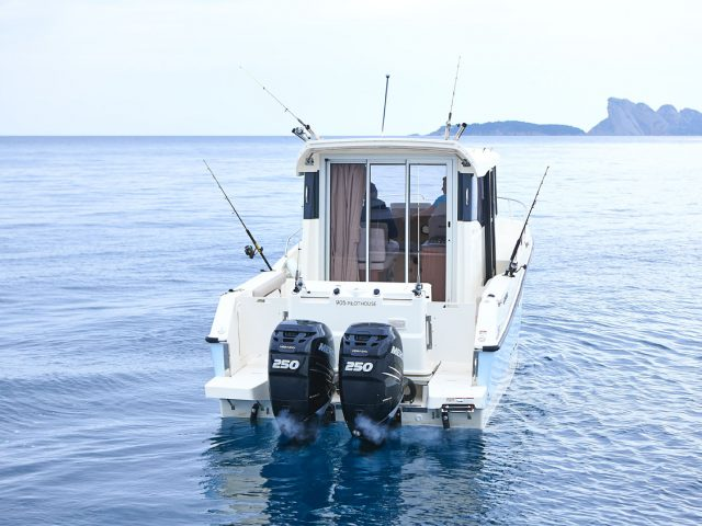 QUICKSILVER 905 Pilothouse / OB NO.6